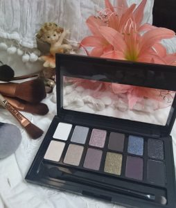 Maybelline The Rock Nudes Eye Shadow Palette Review