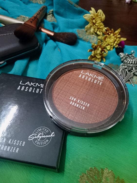 Lakme Absolute Moon Lit Highlighter Review