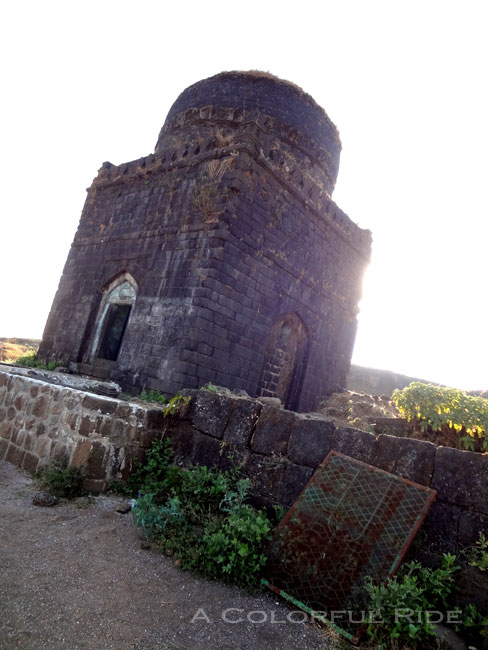 lohagad fort by road
