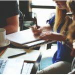 8 SECRETS TO HOLD AN ENGAGING TEAM MEETINGS