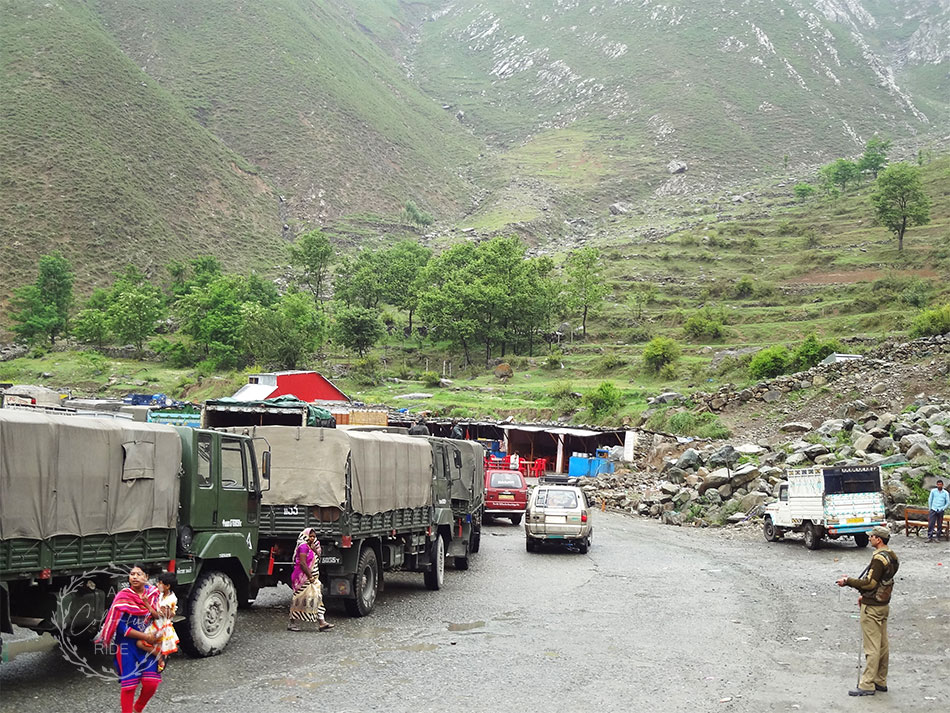 kashmir family tour packages from Mumbai
