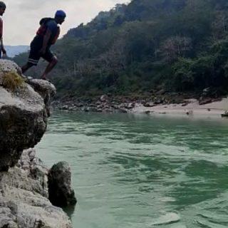 Jumping into the Ganges.🏊🌊 Finally, when the lockdown gets over n we're free from COVID19, will start packing my bags for a tour. . . #rishikesh_trip #rishikeshphotography #rishikeshdiaries❤️ #rishikeshrafting #rishikesh_diaries❤ #rishikesh❤️ #uttarkhandtourism #uttarakhandheavenonearth❤️😇 #uttarkhandheaven #uttarkhanddiaries❤️ #traveloguedestinations #travelogueindia #travelbloggee #travelphotography✈️ #traveldiaries✌️ #traveldiary✈️ #acolorfulride #travelblogginglife #travelbloggerlife #indiatravelblogger